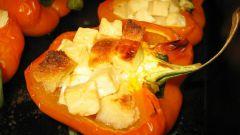 Сладкий перец с брынзой и зеленью
