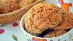 Пряное печенье с хурмой и грецкими орехами