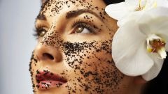 Как действует скраб на кожу и зачем он нужен