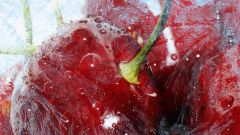 How to freeze cherries, pitted