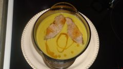 Крем-суп из зеленого горошка с яблоками
