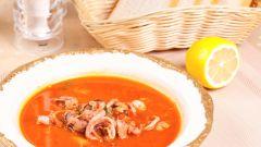 Как приготовить томатный суп с рисом и морепродуктами
