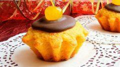 Постные мандариново-шафрановые кексы с шоколадной глазурью