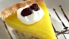 Печем лимонно-мятный пирог
