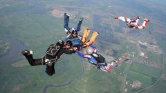 Что нужно, чтобы спрыгнуть с парашютом