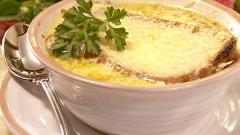 Как готовить французский луковый суп