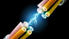 Как течет переменный ток в цепи