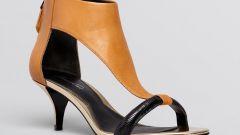 Какие туфли надеть под серые брюки
