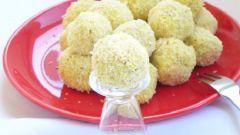 Куриные шарики с кокосом и карри