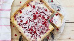 Готовим летний пирог с красной смородиной