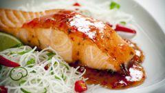 Запеченный лосось в имбирном маринаде