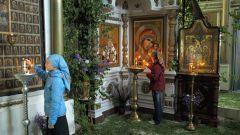 Как украшают православные храмы на Троицу