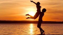 Как понять, влюблен мужчина или любит