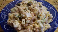 Куриный салат с каперсами и фасолью