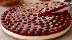 Как приготовить клубничный торт без выпечки?