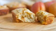 Как приготовить пирожные с абрикосами и медом
