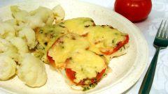 Запеченная телапия с томатом под сыром
