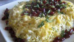 Слоеный салат с грецкими орехами и гранатом
