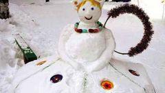 Как слепить оригинальную снежную бабу