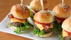 Готовим мини-гамбургеры