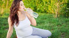 Сколько нужно пить жидкости беременной