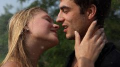 О чем может рассказать поцелуй