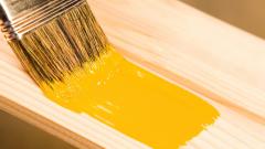 Как научиться красить дерево