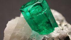 Как называется зеленый камень