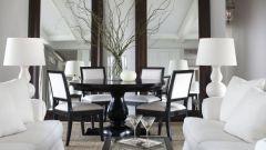 Интерьер гостиной с зеркалами