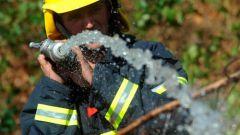 Как пожарные тушат дома в 2017 году