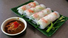 Вьетнамские роллы с арахисовым соусом