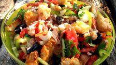 """Как приготовить итальянский салат """"Панцанелла"""""""