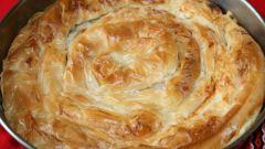 Как приготовить фило-картофельный пай с салями и моцареллой