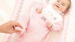 Как подготовить гардероб для младенца