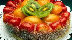 Как украшать торты фруктами