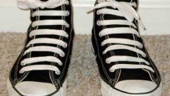 Как необычно шнуровать обувь