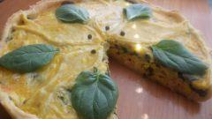 Киш с семгой, двумя видами сыра и прованскими травами