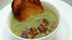 Суп-пюре из зеленого горошка с мятой