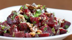 Как приготовить салат из свеклы с орехами