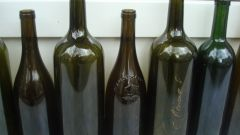 Почему пустые бутылки нельзя оставлять на столе