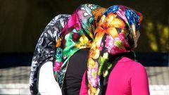 Платок - головной убор женщин или символ религии?