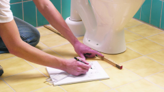 Когда устанавливать унитаз - до или после укладки плитки