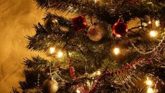 Почему на верхушку елки вешают звезду