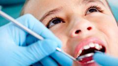 Во сколько лет полностью меняются молочные зубы