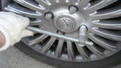 Как снять передний тормозной диск