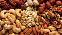 Почему нужно регулярно есть орехи