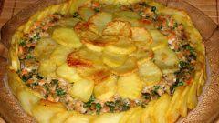 Картофельная шарлотка с семгой