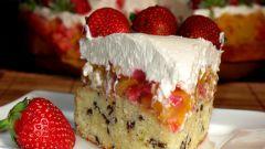 Клубнично-персиковый торт с маскарпоне