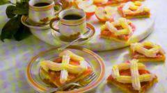 Яблочный пирог с ревенем и ванильным кремом