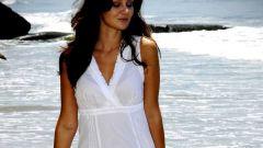 Белые платья в греческом стиле: куда и с чем носить